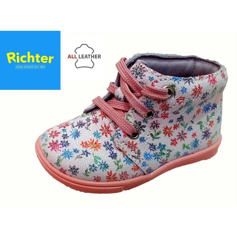 Richter virágos fűzős kislány cipő - Vitálos cipőbolt Szentendre 72b8481fc5