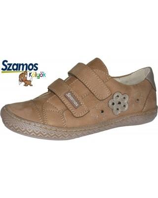 Szamos kölyök barna lány cipő