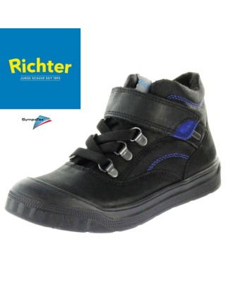 Richter fekete bélelt...