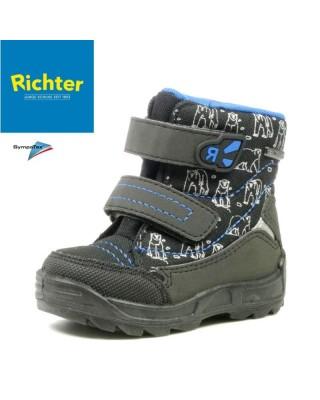 Richter fekete kisfiú hótaposó